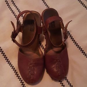 Jeffrey Campbell Woodies size 9